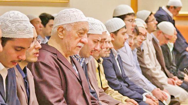 Cemaat ve Tarikatlara uyarı: Kendisine itaat Allah'a itaat sayılan tek kişi Peygamberimizdir (ASM)!..